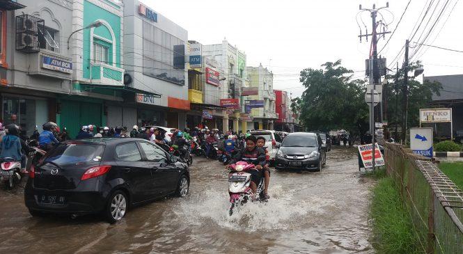 Hujan Intensitas Sedang, Bekasi Darurat Banjir