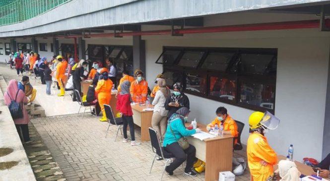 Tenaga Medis di Kota Bekasi Jalani Rapid Test Corona