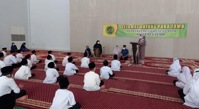 Bang Choi Apresiasi BKMT dan Santri Asy Syafiiyah Dalam Agenda Lebaran Yatim